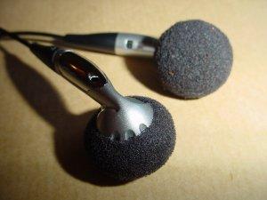 headphones-1252663