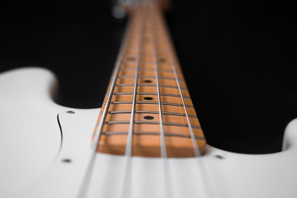 bass-1508609_1920