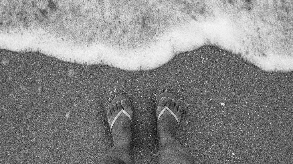 feet-465763_1920