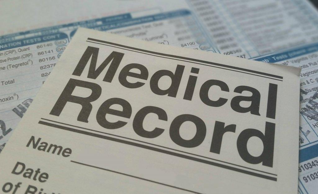 medical form781422_1920