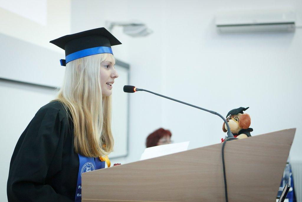 graduation-2038866_1920